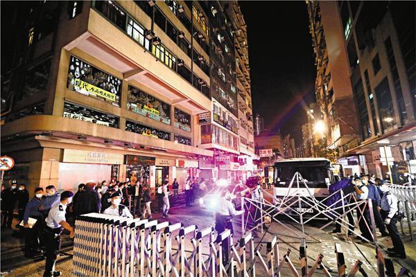 香港58岁男子初步确诊阳性后失联!香港警方发通缉令寻人